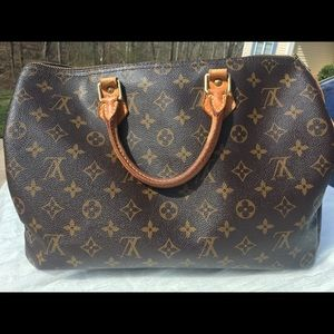 Louis Vuitton 35 Speedy Authentic: Great Condition